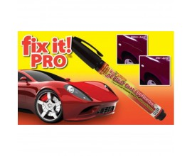 i graffi su una macchina Graffi sull'auto Un gesso penna per coprire